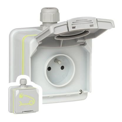 Prise IRVE 3kW 16A : Green'up Access en saillie (Legrand) + Protections électriques (incluses dans le colis)