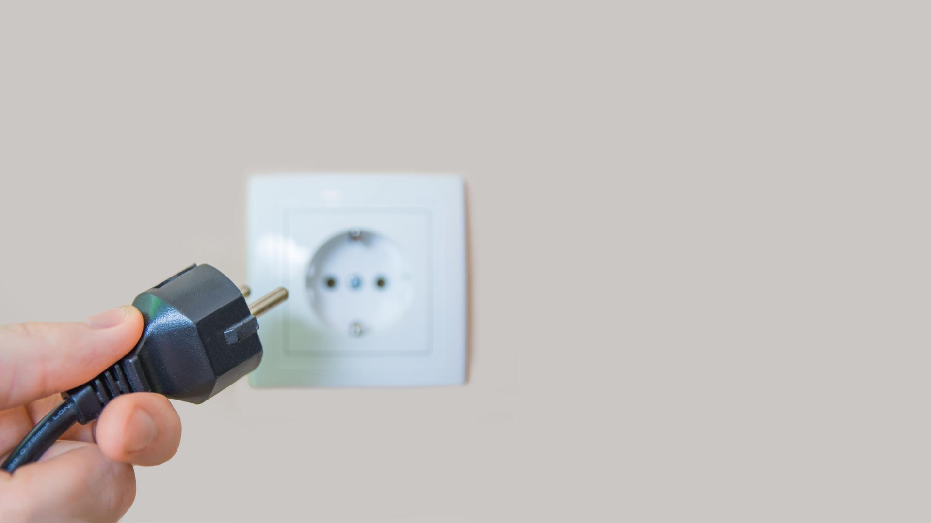 Installation, remplacement et déplacement de prise électrique